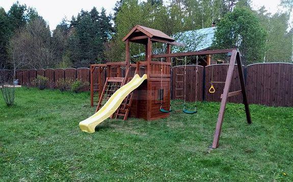 Детские площадки являются отличным дополнением для дачного участка